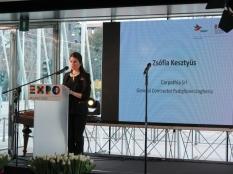 Zsófia Kesztyűs, in rappresentanza di Carpathia Kft