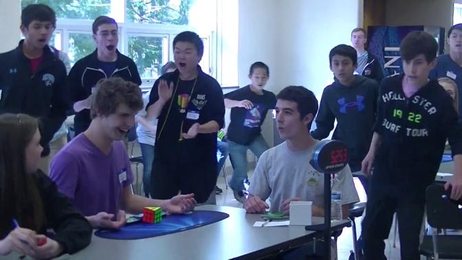 Cubo di Rubik, nuovo record mondiale: Risolto in 5,25 secondi il rompicapo inventato dall'architetto ungherese Ernő Rubik