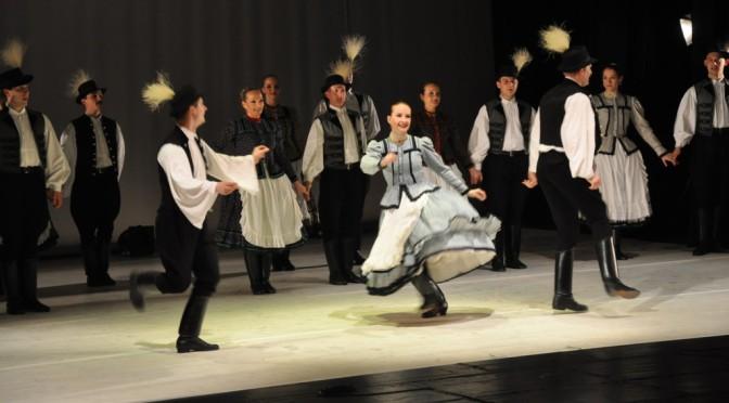 """""""Rapsodia Ungherese"""": Armonia e spontaneità sul palco del Teatro Stabile Sloveno di Trieste"""