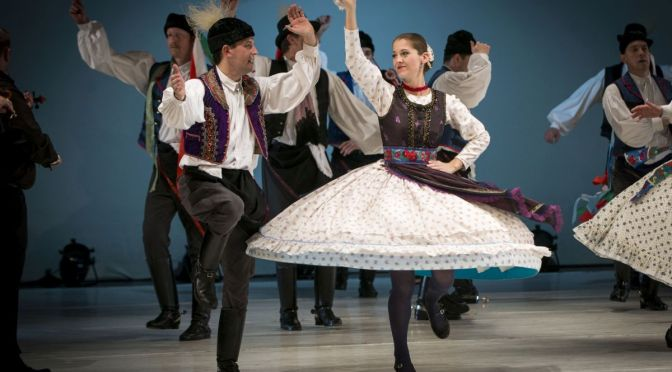 """Hungarian Rhapsody – Sunlegend"" al TTS di Trieste: Rapsodie e altri balli folk nel segno dell'Ungheria"