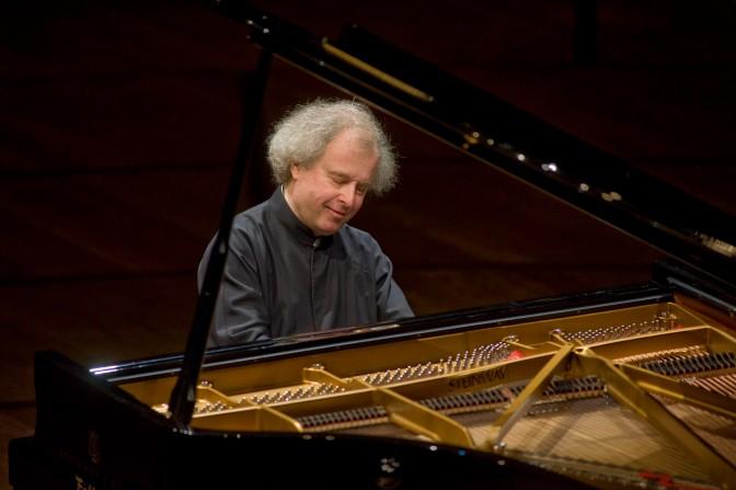 András Schiff e Chamber Orchestra of Europe in concerto a Pavia e Torino