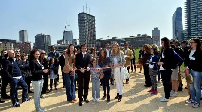 """Wheatfield"": Inaugurata l'opera d'arte ambientale dell'artista ungherese-americana Ágnes Dénes"