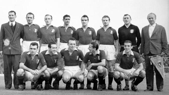 Grande Torino: In migliaia a Superga per il giorno della memoria. Un pensiero speciale al tecnico ungherese Ernő Egri Erbstein