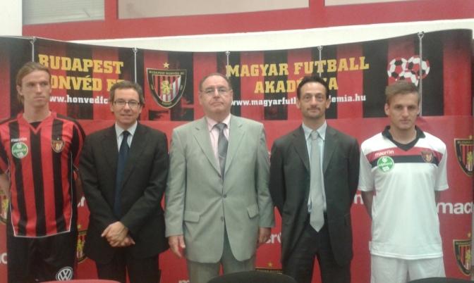 Calcio e finanza: L'italiana Macron è il nuovo sponsor tecnico dell'Honvéd di Budapest