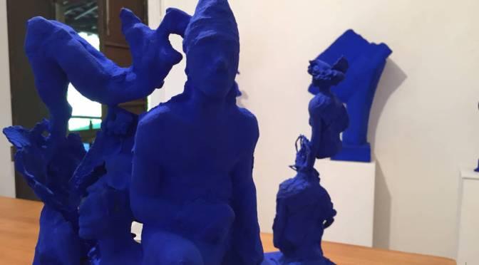 Eventi a Cunardo: Le forme blu dello scultore ungherese Tamás Szabó in mostra alle Fornaci Ibis