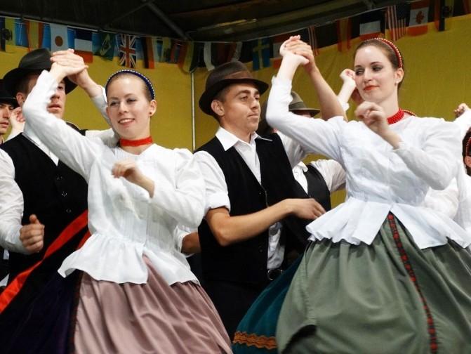Festival Internazionale del Folklore A Cunardo: Applauditissime le esibizioni dei Paesi ospiti, tra cui l'Ungheria
