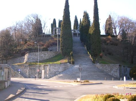 monumento-ai-caduti-erba