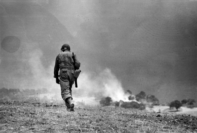 """""""Robert Capa in Italia 1943-1944"""": Inaugurata a Troina la mostra del grande maestro dello scatto di origine ungherese"""